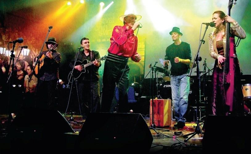 VIDEO Amaro Del revin la Godot Cafe-Teatru