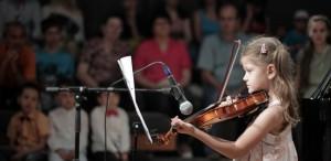 Peste 100 de muzicieni amatori au concertat pe scena Teatrului Act