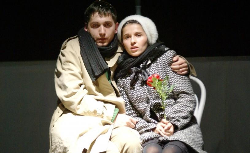 """Studenţii sibieni de la Actorie urcă pe scena din Varşovia cu spectacolul """"Melodie Varşoviană"""""""