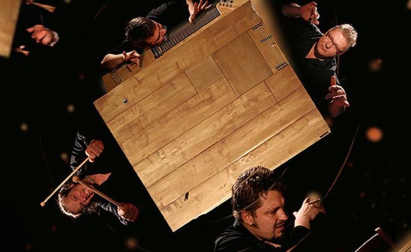"""""""Masa cu sunete"""" – una dintre cele mai surprinzătoare producţii din cadrul Festivalului de Teatru de la Sibiu"""