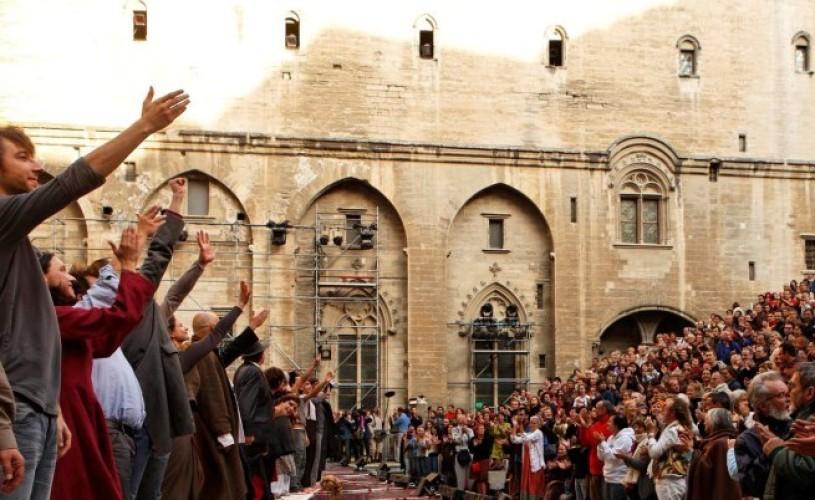 Festivalul de Teatru de la Avignon – un eveniment al tuturor extremelor