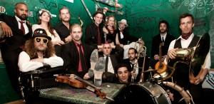 VIDEO Concerte cu Taraf de Haidouks şi Lemon Bucket Orkestra, pe 25 iulie, la Muzeul Ţăranului din Capitală