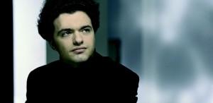 VIDEO Legendarul pianist Evgeny Kissin vine la Bucureşti, în Festivalul Enescu