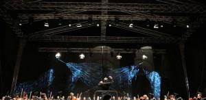 """VIDEO Opera Naţională vă invită la concertul extraordinar în aer liber """"Promenada Operei"""", avanpremieră a stagiunii 2013-2014"""