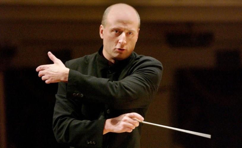 """VIDEO Paavo Järvi, dirijorul laureat cu Grammy, urcă pe scena Festivalului Internaţional """"George Enescu"""" alături de celebra Orchestre de Paris"""
