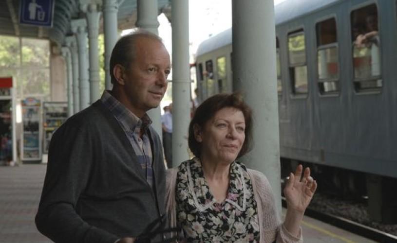 """Câştigă 3 invitaţii la filmul """"Sunt o babă comunistă"""", cu Luminiţa Gheorghiu şi Marian Râlea!"""