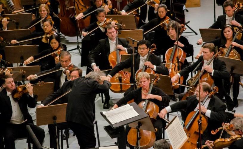 Festivalul Enescu: ținute din 160 metri de material, 500 de nasturi, 600 de ore de lucru