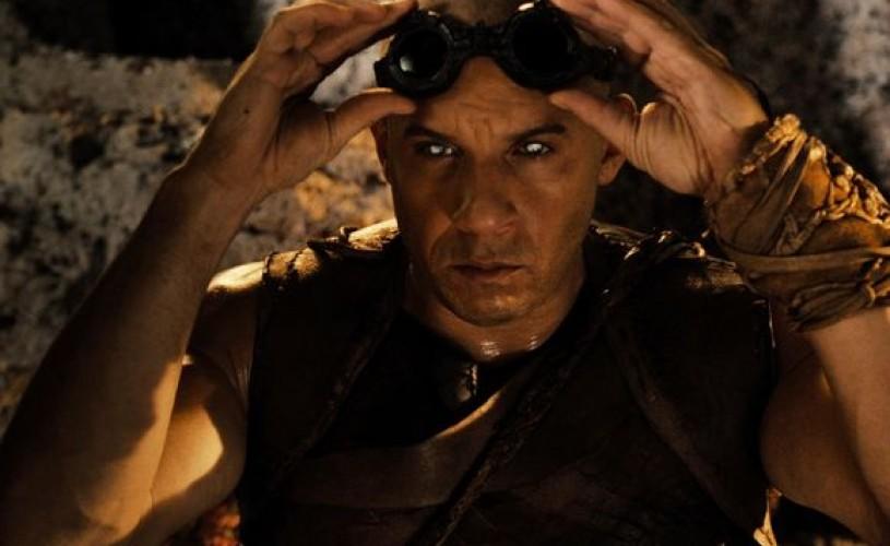 """Câștigă 3 invitații la filmul SF """"Riddick""""!"""