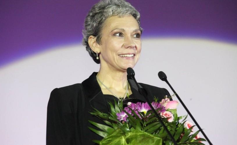 Artiştii îi iau apărarea actriţei Oana Pellea printr-o scrisoare către Mircea Dinescu