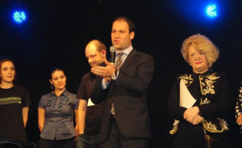 Gala Performantei – premii pentru 12 tineri absolvenţi