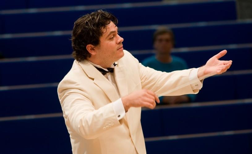 Cristian Macelaru dirijează la Sala Radio