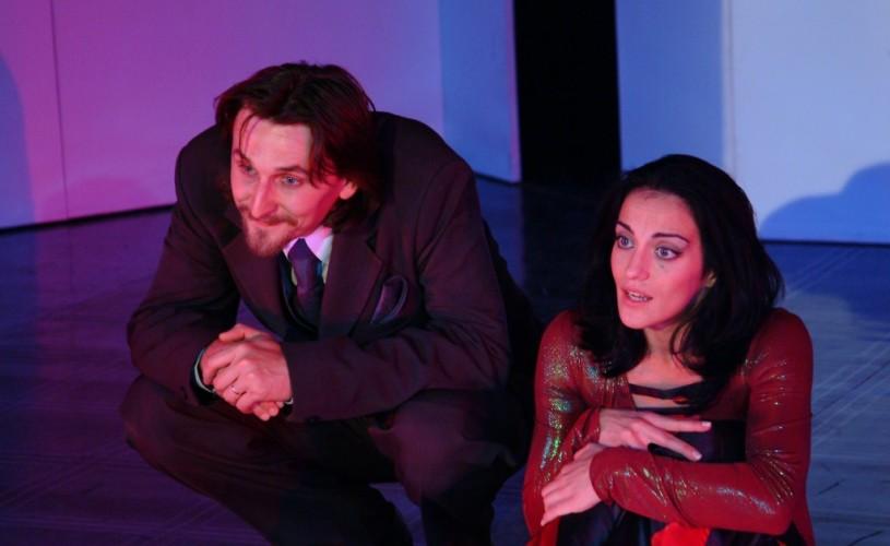 Nora duce actorii sibieni pe scena din Japonia