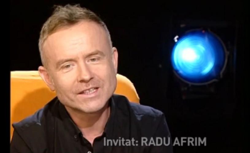 """Radu Afrim: """"Sunt un fel de OZN care a trecut Carpaţii şi a venit la Bucureşti"""""""