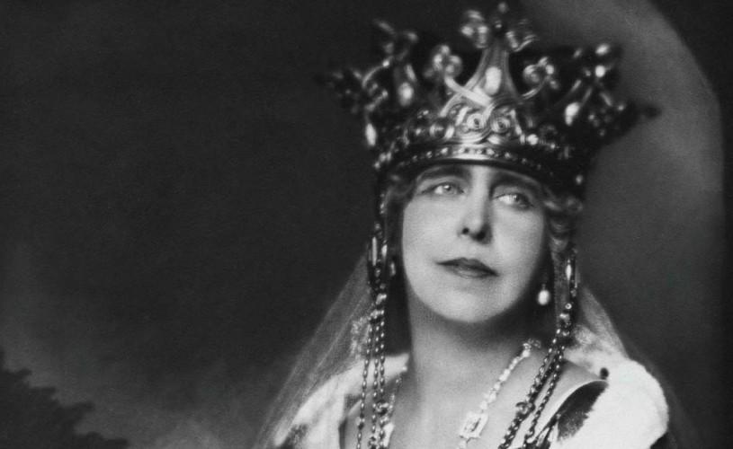 """Regina Maria, virulentă în presa americană: """"Noi, suveranii, ne agăţăm de tronuri din vanitate?"""""""