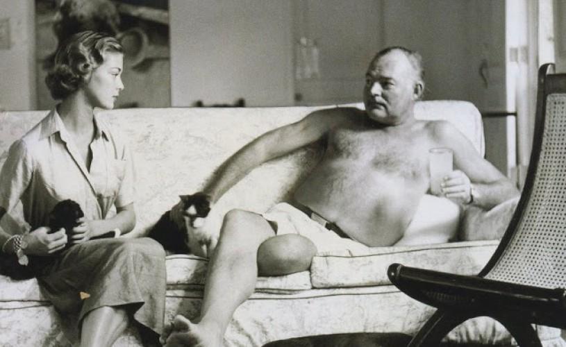 """Hemingway şi burgerul său preferat – """"roz şi suculent la mijloc"""""""