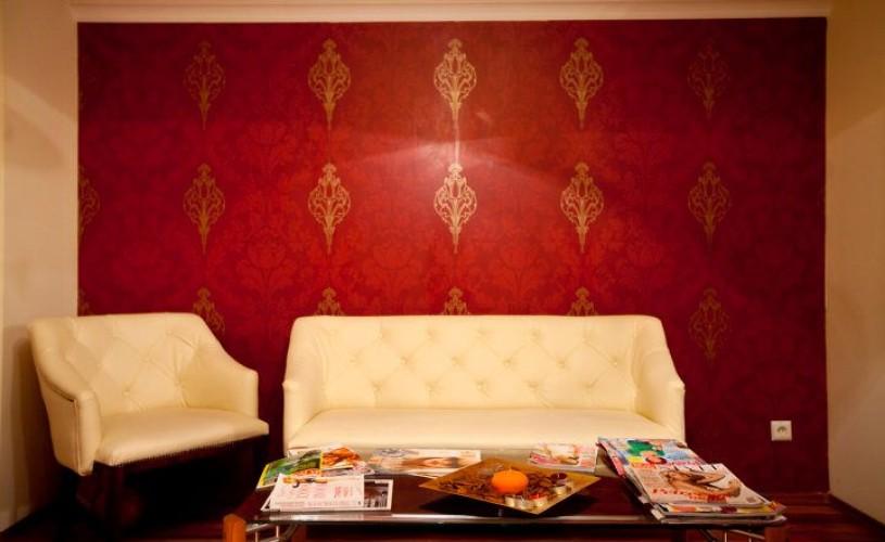 Cinnamon Beauty Salon şi Teatrul Metropolis le oferă mărţişoare spectatorilor