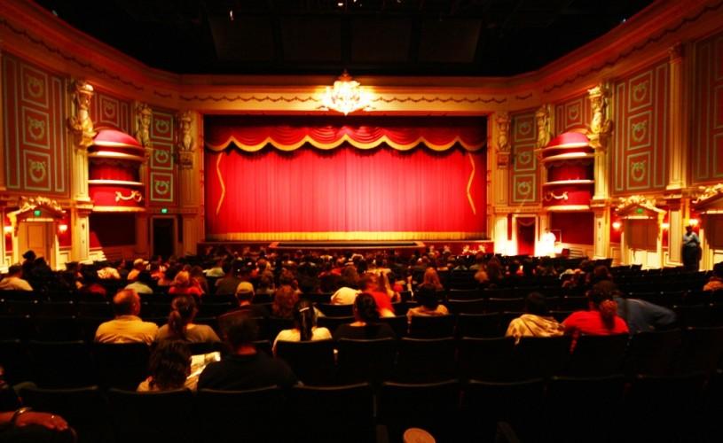 Comunicarea în teatru – există o limită?