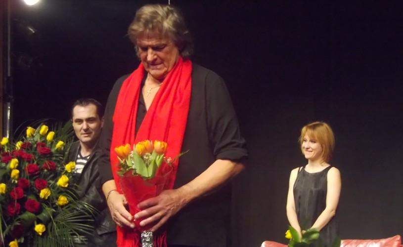 """Florin Piersic, de Florii, în spectacolul """"Străini în noapte"""""""