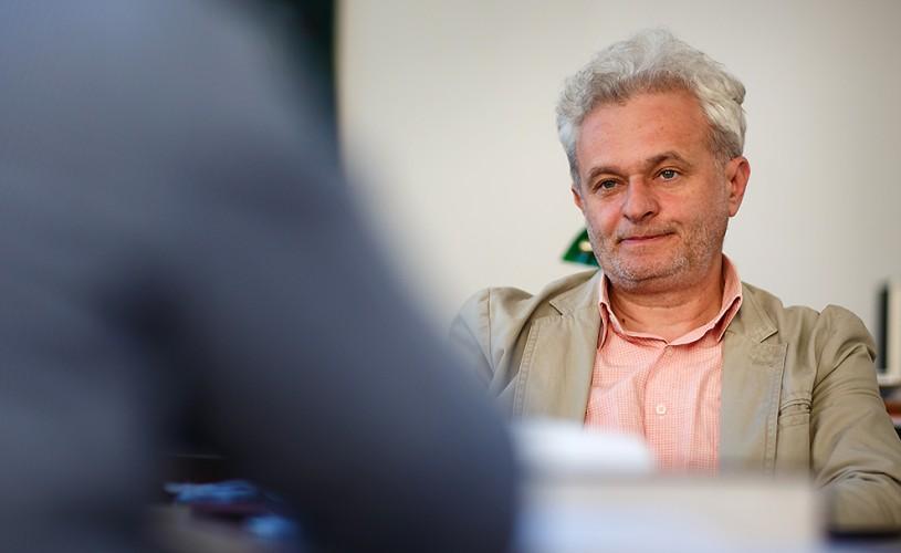 """<strong>Cătălin Bălescu</strong>, rectorul UNARTE: """"Vânzarea operei de artă este altă operă de artă"""""""