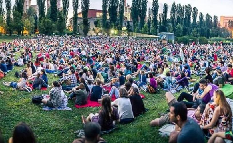 """""""Noaptea Lungă a Filmelor Scurte"""", pe 28 iunie, la Grădina Botanică București"""