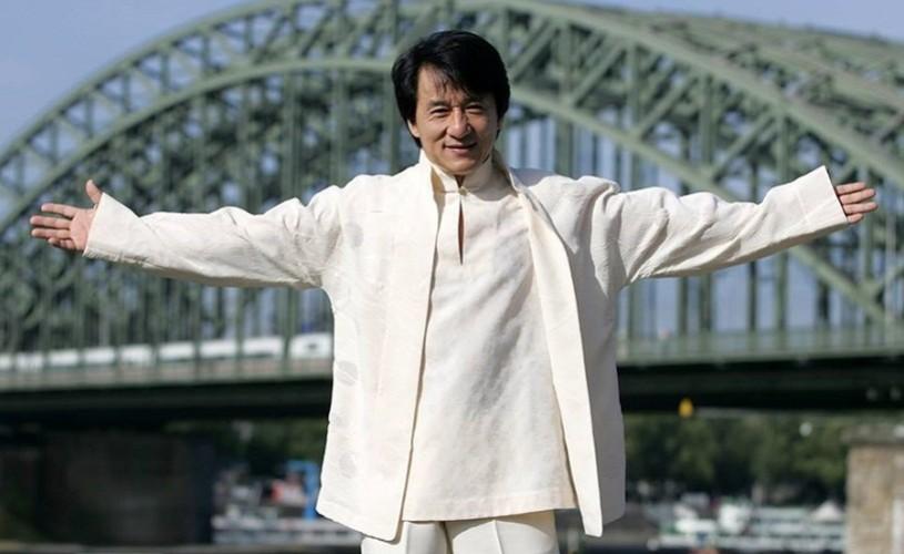 Jackie Chan va promova produsele culturale româneşti în China