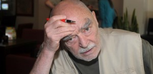 Mircea Albulescu îşi lansează volumul de poeme