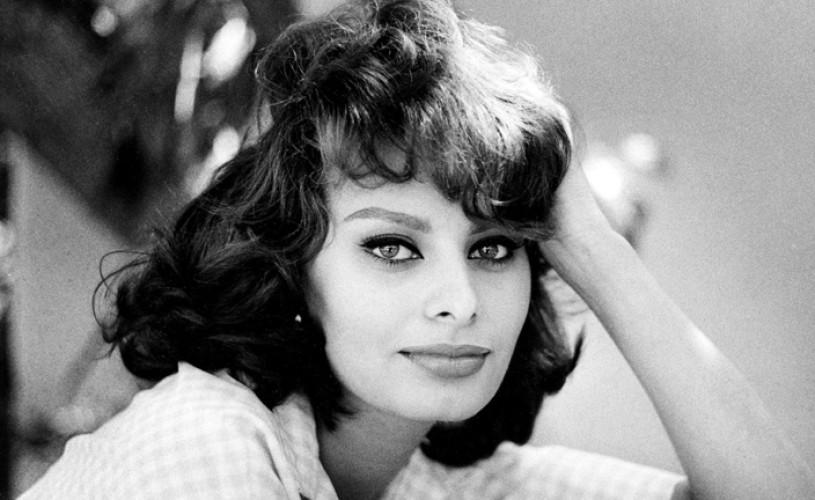 """Sophia Loren spune că s-au făcut presiuni asupra sa să îşi """"repare"""" nasul prea lung"""