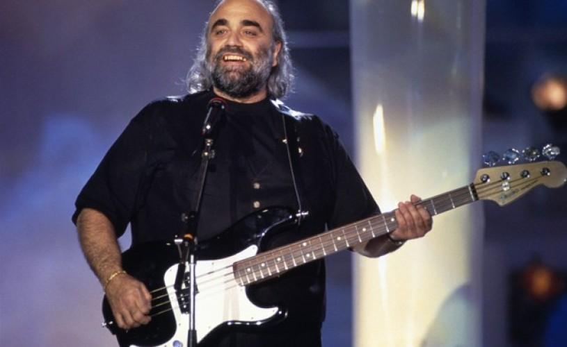 A murit cântăreţul grec Demis Roussos