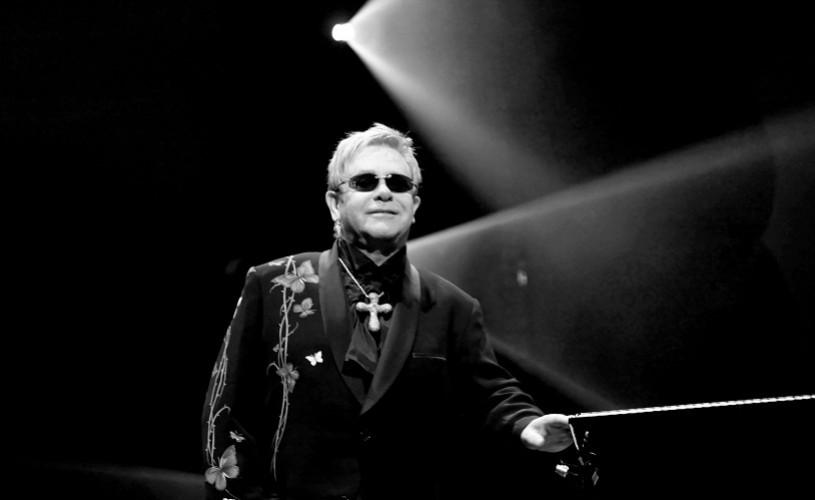 Elton John îşi lansează propria companie de teatru
