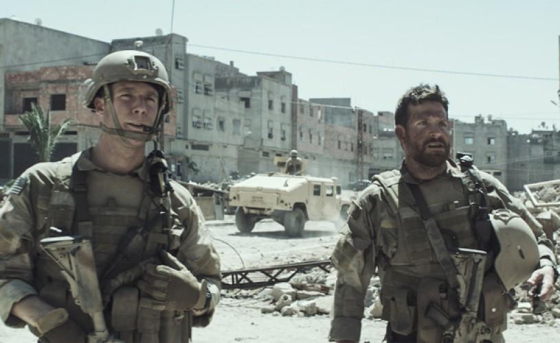 """Controversatul """"American Sniper"""", preferat de publicul din SUA la Oscar"""