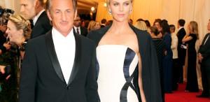 """Sean Penn, despre Charlize Theron: """"Mă surprinde că m-am îndrăgostit din nou"""""""