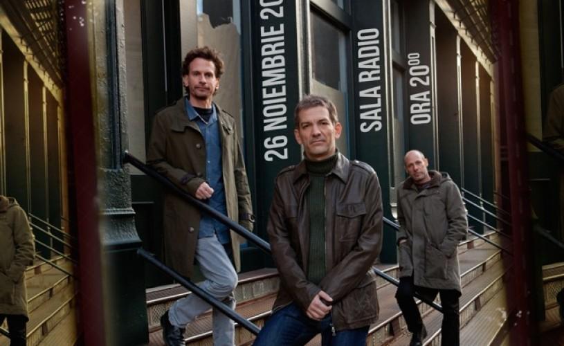 Brad Mehldau Trio, pe trepte de pian, la Jazz Night Out