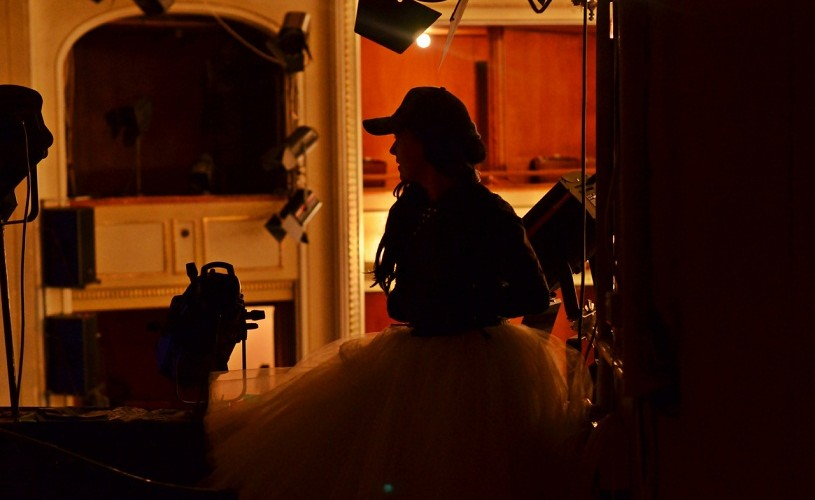 """Carmen Lidia Vidu, în propriul rol, în scurt metrajul """"ARAD. Jurnalul meu virtual"""""""
