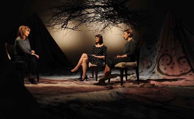 Două tinere actriţe, pe scena Nocturnelor TVR