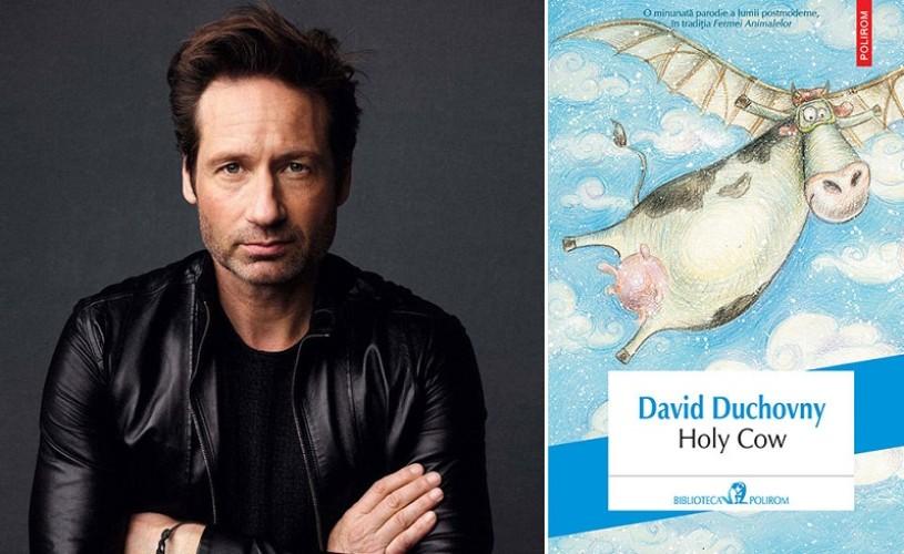 Debutul literar al starului hollywoodian David Duchovny: Holy Cow