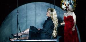 Eu. O casă de păpuși - din 19 iunie la Teatrul Odeon