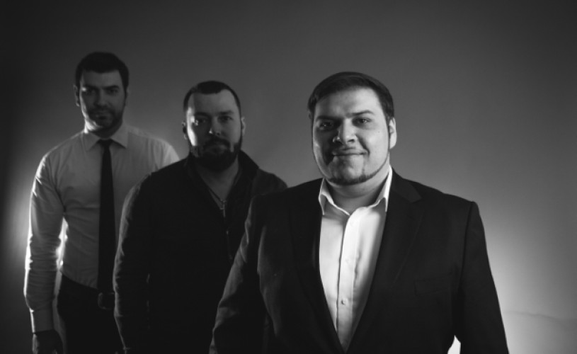 Jazzaj la Arcub: Sorin Zlat Trio, adică jazz autentic românesc
