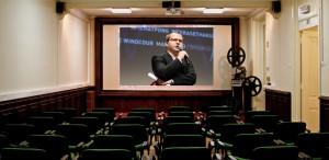 Porumboiu cere refacerea sălilor de cinema după model occidental