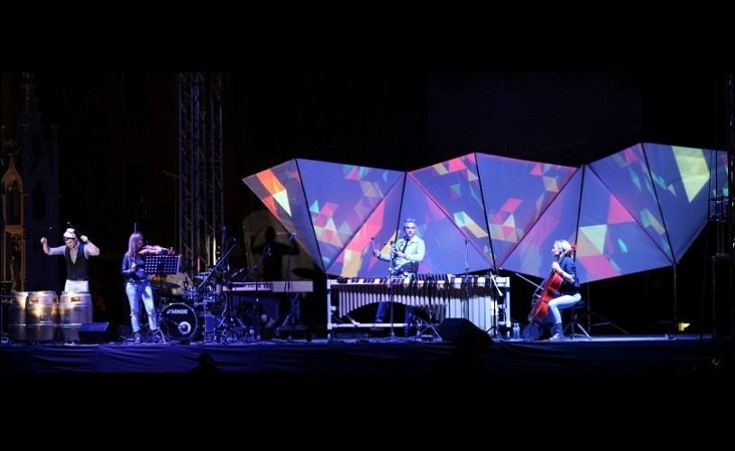 """Spectacol total în Parcul Titan – Zoli Toth Project deschide """"Cinema în aer liber"""""""