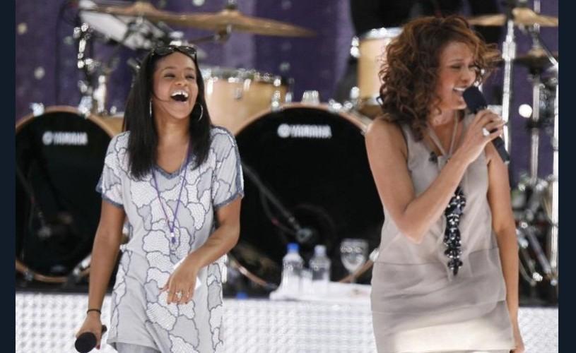 Fiica lui Whitney Houston a murit la vârsta de 22 de ani