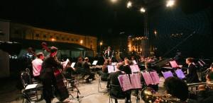 Piața Festivalului – regalul muzicii simfonice, în aer liber. Festivalul Enescu