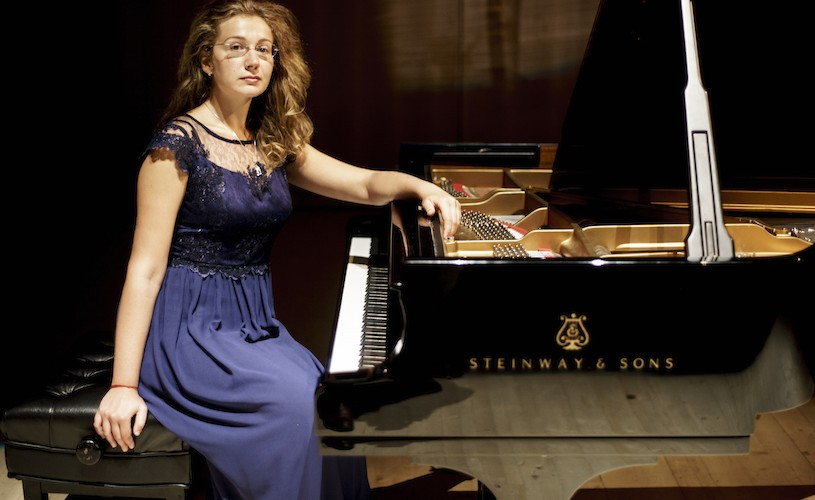 Pianista Mădălina Claudia Dănilă, în recital la Ateneu
