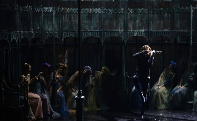 <strong>Paganini.</strong> Cum era văzut magul viorii în România?