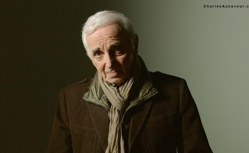 Concertul lui Aznavour de la Bucureşti, amânat pentru 28 aprilie