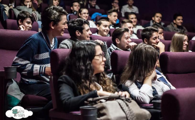 """Peste 6600 de participanți la """"Filme pentru liceeni"""" în 2015"""