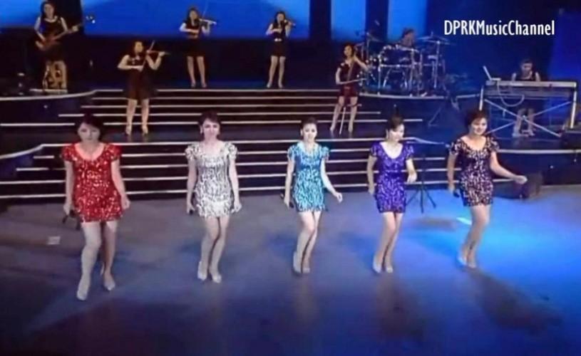Moranbong, formaţia pop creată de Kim Jong-Un, turneu în China