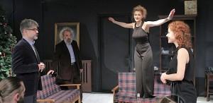 """Teatrul """"Tony Bulandra"""" din Târgovişte - NORA sau infirmitatea de a nu fi lăsat să fii liber"""