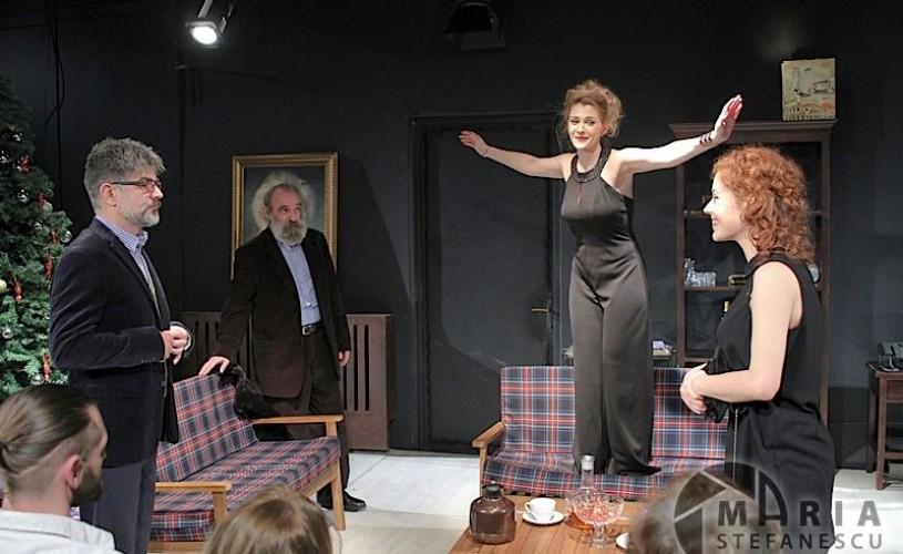 """Teatrul """"Tony Bulandra"""" din Târgovişte – NORA sau infirmitatea de a nu fi lăsat să fii liber"""