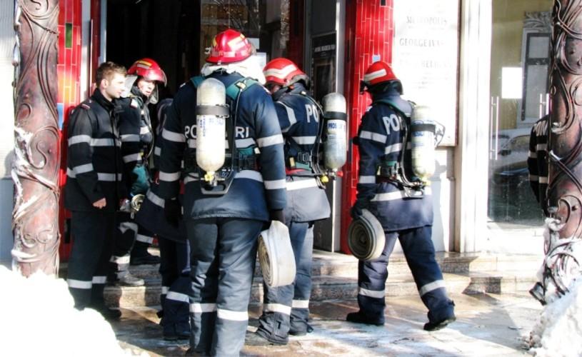 Foc şi joc. Simulare de incendiu la Teatrul Metropolis. Publicul, 100% în siguranţă