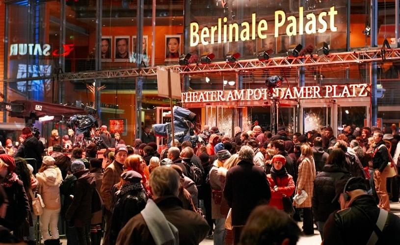 """""""Ilegitim"""", primit cu aplauze la premiera mondială de la Berlin"""